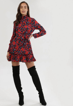 https://born2be.pl/czarno-czerwona-sukienka-erfir